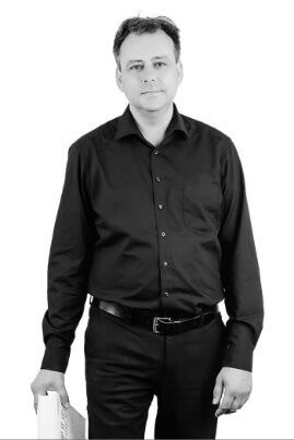 Dipl.-Bibl. (FH) Andreas Wischnack   untermstrich.com