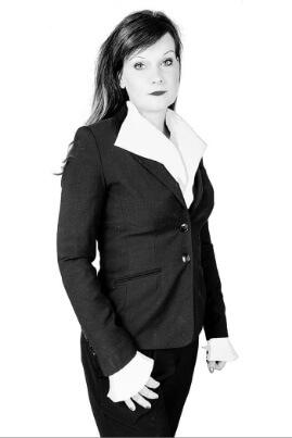 Kathleen Oesterreich   untermstrich.com